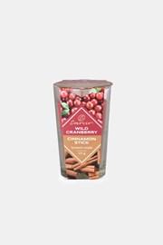 Vonná sviečka Wild Cranberry and Cinnamon Stick dvojfarebná