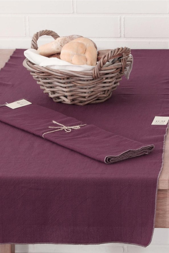 Obrus na stôl s ozdobným lemovaním Home Design fialový