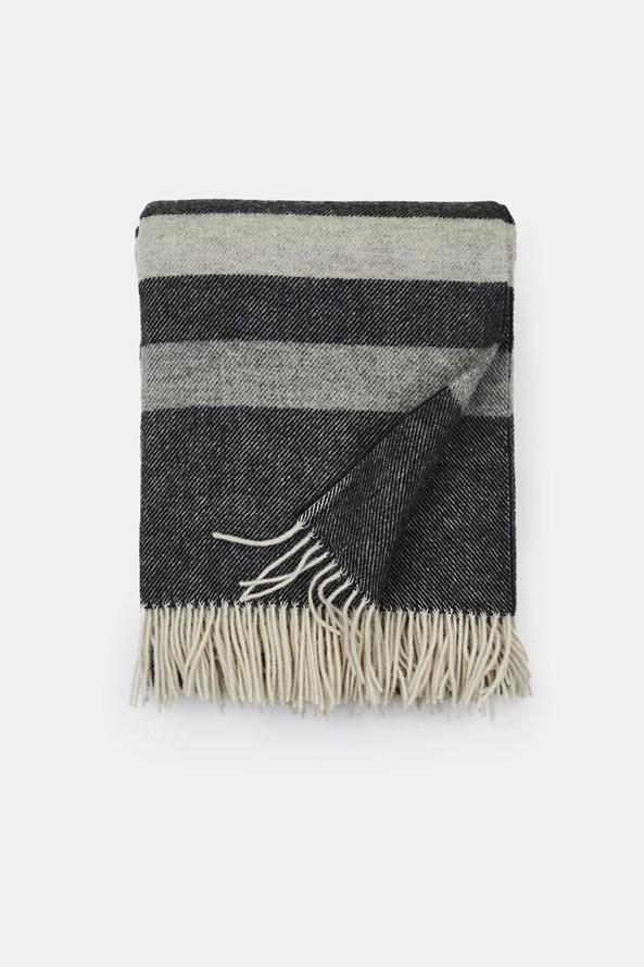 Luxusná vlnená deka Stripe sivá